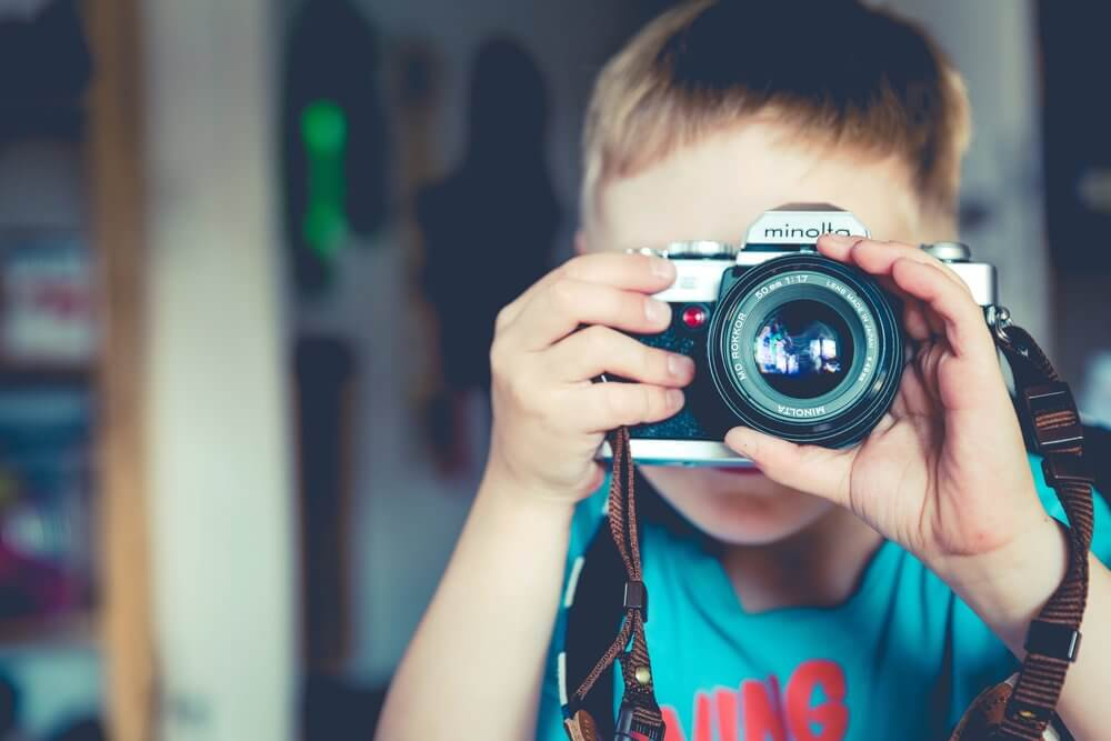 How to Educate Reluctant Learners with Digital Photography